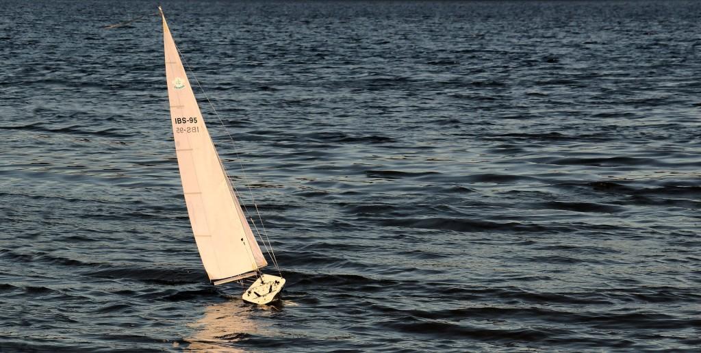sailing-boat-3399011_1920